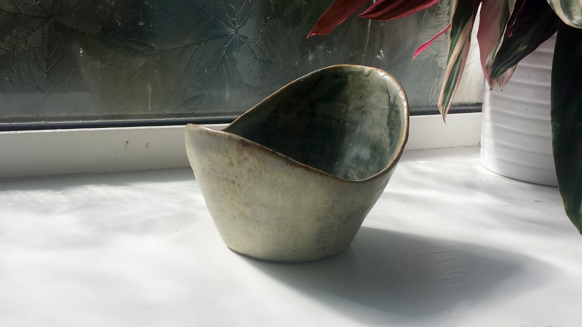 swooping-bowl